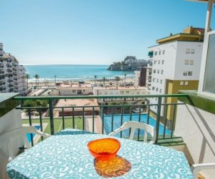Apartment  in Peniscola  for 6 people with shared swimming pool and beautiful sea view  p1