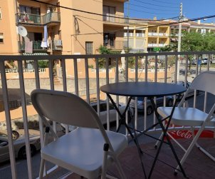 Apartment  in Rosas  for 4 people near the center and the sea  p0