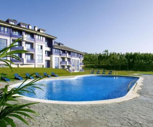 Apartment  in Santander  for 2 people with shared swimming pool  p0