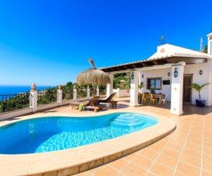 House   Almuñécar 4 persons - private pool p0
