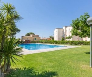 Flat   Calella de Palafrugell 4 persons - comunal pool, parking and near sea p2