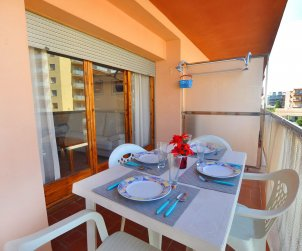Apartment  in Rosas  for 6 people with sea view  p1