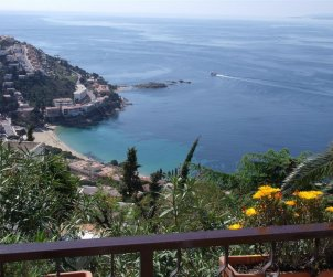 Apartment  in Rosas  for 4 people near the sea  p0