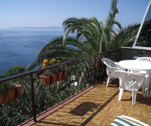 Apartment  in Rosas  for 4 people near the sea  p2