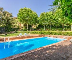 House   Vilanova del Valles 35 persons - private pool p0
