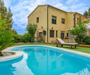 Flat   Sant Cebrià de Vallalta 8 persons - private pool p0