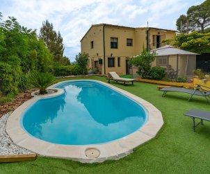 Flat   Sant Cebrià de Vallalta 8 persons - private pool p1