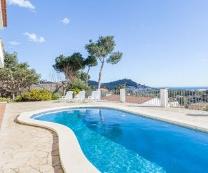 House   Blanes 8 persons - private pool p0