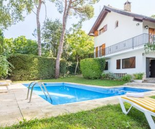 House   Lloret del Mar 7 persons - private pool p0