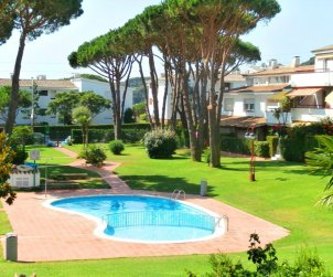 Flat   Calella de Palafrugell 4 persons - comunal pool and near sea p0