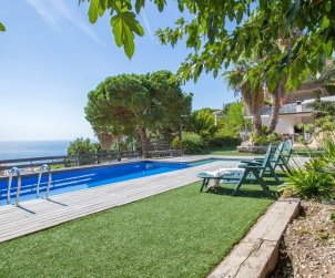 House   Lloret del Mar 8 persons - private pool and sea view p2