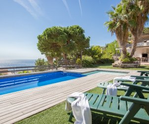 House   Lloret del Mar 8 persons - private pool and sea view p1