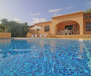 House   Calpe 7 persons - private pool and air conditioning p1