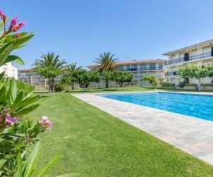 Flat   Calella de Palafrugell 5 persons - comunal pool, parking and near sea p0