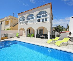 House   Empuriabrava 6 persons - private pool p1