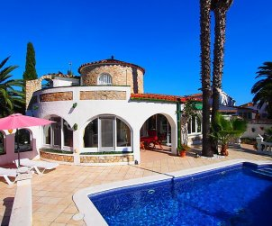 House   Empuriabrava 7 persons - private pool p0