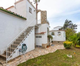 House   Empuriabrava 7 persons - private pool p1