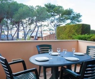 Flat   L'Escala 6 persons - comunal pool p1