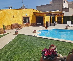 House   L'Ampolla 6 persons - private pool p1