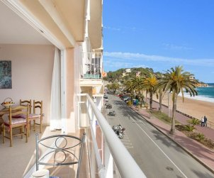 Flat   Lloret del Mar 6 persons - sea view and private garage p1