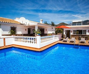 House   Nerja 6 persons - private pool p0