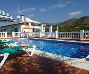 House   Nerja 7 persons - private pool p0