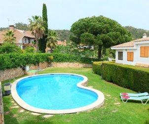 House   Tossa de Mar 7 persons - comunal pool p0