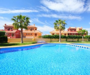 House   Benidorm 6 persons - comunal pool p0