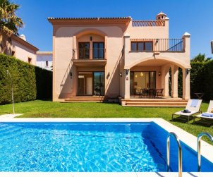 House   Estepona 6 persons - private pool p0