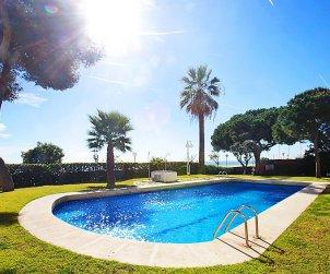 Flat   Sant Vicenç de Montalt 5 persons - comunal pool p1