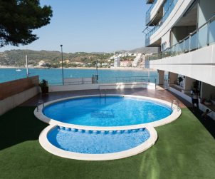 Apartment  in Oropesa del Mar  for 4 people with shared pool and sea view  p0