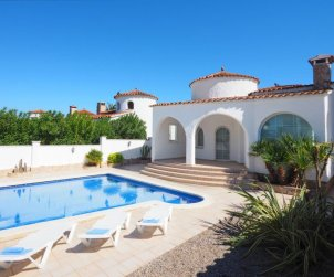 House   Empuriabrava 6 persons - private pool p2
