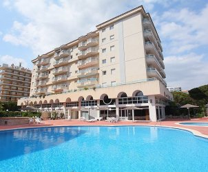 Flat   Blanes 6 persons - comunal pool p2