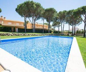 House   L'Escala 6 persons - comunal pool p0
