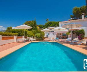 House   Moraira 10 persons - private pool, little sea view and air conditioning p1