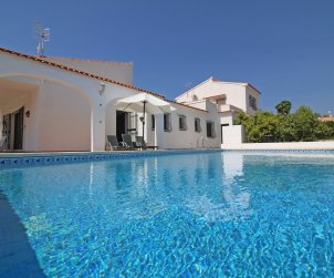 House   Calpe 7 persons - private pool and air conditioning p0