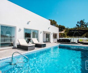 Modern house   Calpe 6 persons - with private pool and sea view p0