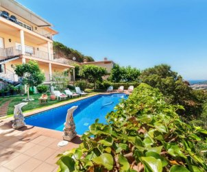 House   Lloret del Mar 15 persons - private pool p2
