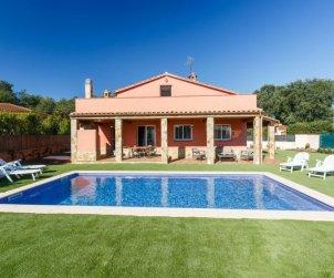 House   Caldes de malavella 8 persons - private pool p0