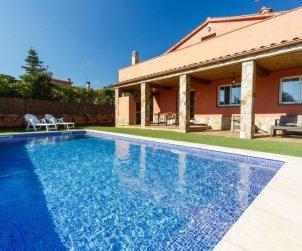 House   Caldes de malavella 8 persons - private pool p1