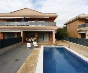 House   L'Ampolla 6 persons - private pool p2