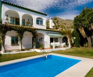 House   Benalmadena 9 persons - private pool p0