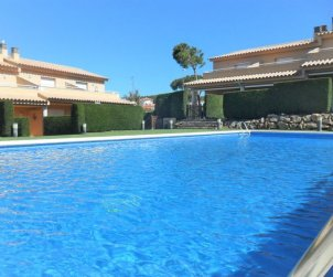 House   L'Escala 6 persons - comunal pool p0