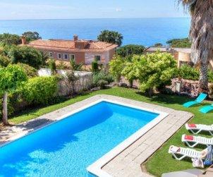 House   Lloret del Mar 12 persons - private pool p0