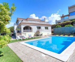 House   Lloret del Mar 12 persons - private pool p1