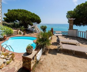 House   Arenys de Mar 6 persons - private pool p0
