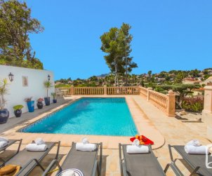House  in Benissa  for 10 persons with private pool, small sea view and air conditioning  p1