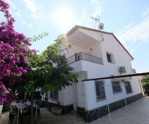 House   Cambrils 8 persons - dishwaher p0