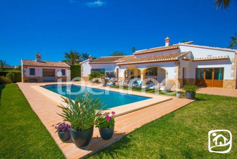 Villa  en Javea  para 9 personas con piscina privada, aire acondicionado e internet  p23