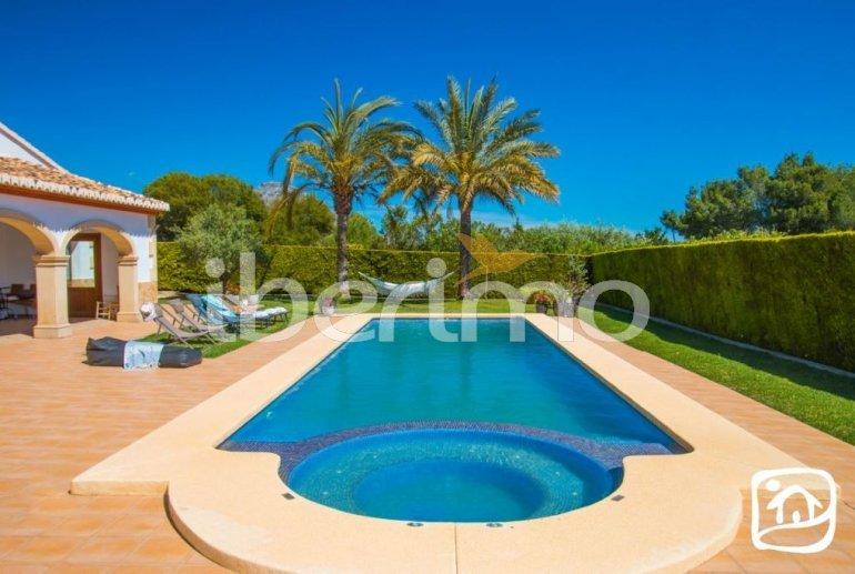 Villa  en Javea  para 9 personas con piscina privada, aire acondicionado e internet  p22